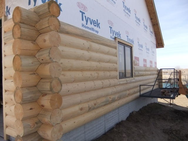 Log Siding w/ Corners